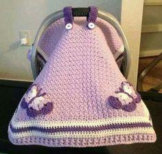 Cubre porta bebe lila y mariposas a crochet