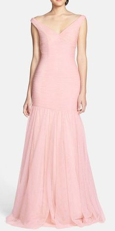 Tulle Trumpet Dress.  Need this dress in my life.  Even if i have no where to wear it ill go to sleep in it! Lol