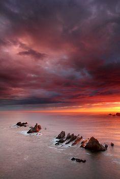 Amanecer en la Playa de Gueirua - Asturias  Spain