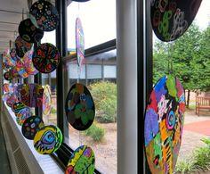Cassie Stephens: In the Art Room: Reversible Dot Paintings for International Dot Day in September #art