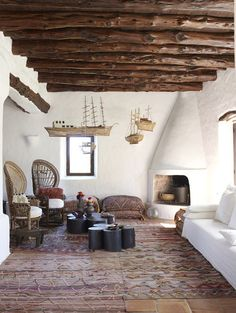 Island Style Living in Ibiza - Elle Decoration Earthship Home, Adobe House, Modern Master Bedroom, Spanish Style Homes, Unusual Homes, Mediterranean Homes, Scandinavian Living, Fireplace Design, Rustic Interiors