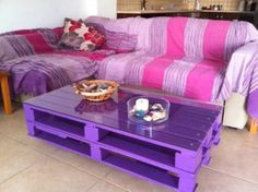 DIY Pallets for Coffee Table