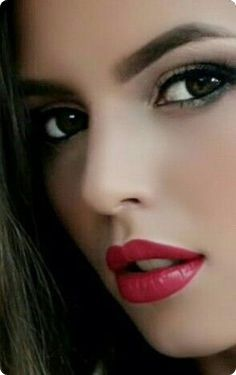 25 Simple And Beautiful Women Make Up Ideas In 2018 Lovely Eyes, Stunning Eyes, Beautiful Lips, Beautiful Models, Most Beautiful Women, Simply Beautiful, Interesting Faces, Cute Faces, Woman Face