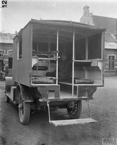 WWI British ambulance Military Modelling, Emergency Response, Emergency Vehicles, Military Equipment, World War One, Old Trucks, Wwii, Antique Cars, Classic Cars