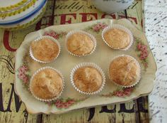 Almond cupcakes   Food From Portugal. A simple recipe, easy and with excellent presentation, sweet made with sugar, egg whites and almond. http://www.foodfromportugal.com/recipe/almond-cupcakes/
