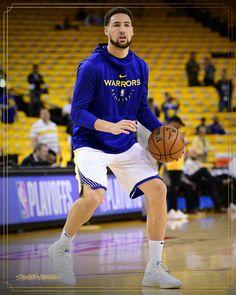 Basketball Skills, Basketball Players, Stephen Curry Basketball, Curry Warriors, African American Dolls, Nba Stars, Nba Players, Golden State Warriors, Boys