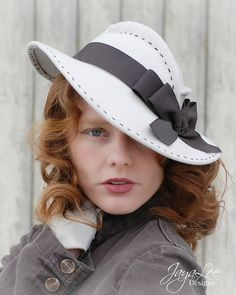 Women's Wide Brim Felt Tilt Hat 1930's by GreenTrunkDesigns