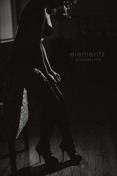 Dark and Beauty Combined - Toronto Boudoir | Fine Art Portraiture for Women | Elementz of Fotographie
