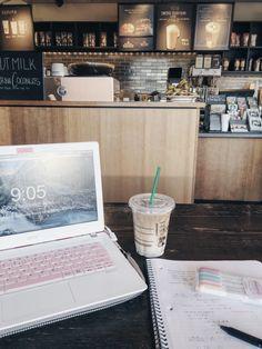 etudestial: spending reading break at Starbucks - got so much to catch up on!