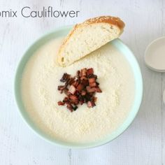 With the weather cooling down, there really is no better time to make a batch of our Thermomix Cauliflower Soup. It's quick, easy, healthy and best of all, yummy! If you find that the cauliflower Lunch Box Recipes, Easy Soup Recipes, Cooking Recipes, Keto Recipes, Gnocchi Recipes, Easy Cauliflower Recipes, Creamy Cauliflower Soup, Thermomix Soup, Favorite Recipes