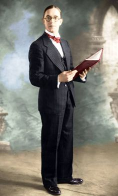 Very nice colored picture of Stan Laurel...