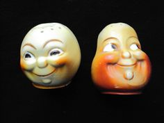 Vintage Anthropomorphic Pear & Peach Funny Face Salt & Pepper Shakers