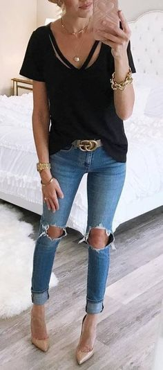 Stunning Ripped Jeans Ideas To Look Rugged 53