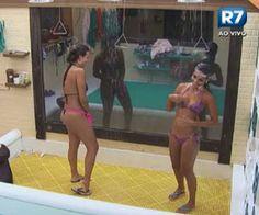 Em banho com Flávia, Angelis esbraveja contra participantes - A Fazenda de Verão - Rede Record