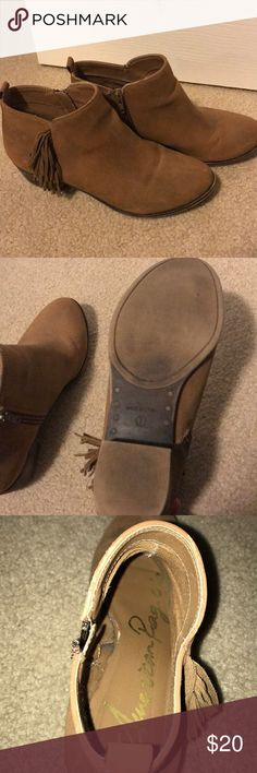brown fringe booties size 7 adorable brown fringe booties, super comfortable American Rag Shoes Ankle Boots & Booties
