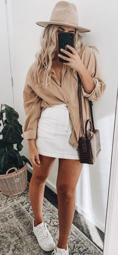 The definite weekly guide to summer outfits. Look no further and get inspired with casual outfits you can wear everyday. Outfits Nachstylen, Trendy Outfits, Spring Look, Spring Summer Fashion, Summer 3, Winter Fashion, Looks Street Style, Looks Style, Cute Summer Outfits