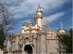 Theme Park Insider - reviews of all rides and restaurants in Disneyland