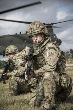 Army Police, Army Veteran, Military Gear, Military Personnel, British Army Uniform, British Armed Forces, Military Operations, Royal Marines, Military Pictures