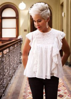 Black and White - Chic Over 50 Pixie Hairstyles, Pixie Haircut, Pretty Hairstyles, Haircuts, Haircut Short, Pixie Styles, Curly Hair Styles, Natural Hair Styles, Short Grey Hair