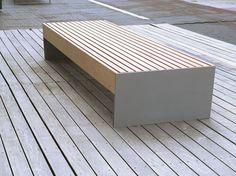 Panchina senza schienale BLOCQ by mmcité 1 | design David Karásek, Radek Hegmon