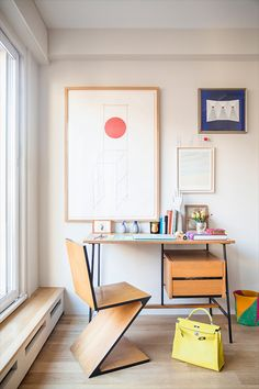 Want to whip your home office décor into shape just in time for Labor Day? Get ready to hit the ground running with these clever home office décor tips. Office Interior Design, Home Office Decor, Office Interiors, Home Decor, Office Ideas, First Apartment Checklist, Office Workspace, Office Nook, Study Office