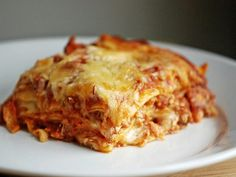 A simple lasagna recipe, with the ingredients from my Fav place to shop, Trader Joes! Beef Recipes, Cooking Recipes, Cooking Pasta, Traditional Lasagna, Easy Lasagna Recipe, Pasta Noodles, How To Cook Pasta, Freezer Meals, Food And Drink