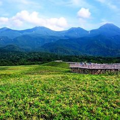 "Elevated wooden bridge/way to heaven... ""Shiretoko Goko Lakes"" National Park - Hokkaido/JAPAN #travel #travelgram #travelling #traveler #shiretoko #hokkaido #japan  #wanderlust #wanderer #instalike #instamood #instadaily #instagood #picoftheday #sony #xperia #ican"