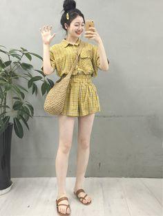 Korean Fashion – How to Dress up Korean Style – Designer Fashion Tips Korean Fashion Trends, Korean Street Fashion, Korea Fashion, Asian Fashion, Cute Fashion, Girl Fashion, Runway Fashion, Fashion Beauty, Fashion Outfits