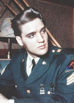 vinceveretts:  Elvis, March 1960.