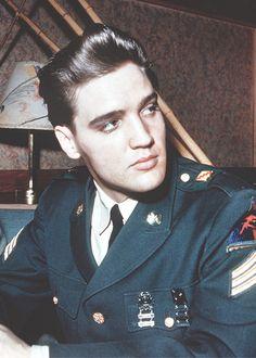 vinceveretts:  Elvis, March 1960.