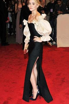 Maid of Honor: @Avery Hurst. This is your style inspo for the red carpet aka my wedding. #kthxbye!