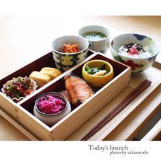 instagram 牛肉とピーマン炒め 卵焼き キムチオクラ入り納豆 紫キャベツのマリネ 塩鮭 小松菜と揚げの煮浸し ごはん 味噌汁