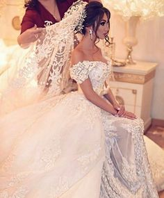 Dreamy bride! �� Can't stop starring at the gorgeous details of this gown. Fulfill your wedding dream with this alluring gown from @royalplacemoscow✨ ✨ ✨ ✨  #Glamourstreetblog . . . . . . . . . . . . #Bridalgown #Weddingdress #WeddingInspiration #weddingideas #Fashionupdate #Fashionista #Bridaldress #FashionInspiration #Styleinspo #Fashionblogger #Fashionblog #Fashiondiaries #Fashionforever #Highfashion #LuxuryFashion #dubaiblogger #dubaifashion #dubaistyle #dubaistreetstyle #beirutstyle…