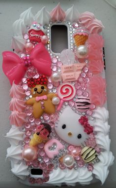 <3 Deco Den <3 Hello Kitty <3 on my cell!!