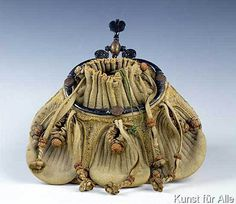 Out of range French School - Purse, century, French Vintage Purses, Vintage Bags, Vintage Handbags, Vintage Shoes, 16th Century Clothing, 16th Century Fashion, 17th Century, Bags Online Shopping, Online Bags