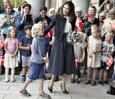 19 August 2016 - Princess Mary attends the opening of the new school in Aarhus - skirt by Baum und Pferdgarten