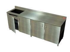 Mueble  MU4PB con mesa de trabajo Productos Garden  para uso industrial fabricado en acero inoxidable, Fabricacion de tapa en calibre 18 AISI 304, mueble fabricado en calibre 20 AISI 430, contiene laterales, espaldar, piso y entrepaño. Puertas batientes fabricadas en acero inoxidable AISI 430 con bisagras  en acero inoxidable. Las puertas en acero no permiten dejar expuesto el interior lo que genera un ambiente de orden y limpieza.