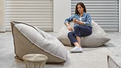 GAN Sail Pouf - Portable comfort Dhurrie epitomises great and unrestricted comfort. Bin Bag Chair, Office Interior Design, Interior Design Living Room, Bean Bag Sofa, Square Pouf, Puff, Beige Carpet, Home Textile, Textile Design
