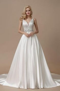 Wonderful Perfect Wedding Dress For The Bride Ideas. Ineffable Perfect Wedding Dress For The Bride Ideas. Classic Wedding Dress, Perfect Wedding Dress, Ball Gown Dresses, Bridal Dresses, Reception Dresses, Bridesmaid Gowns, Wedding Reception, Princess Wedding Dresses, Wedding Gowns
