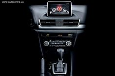 Мультимедиа Mazda3: Приятный собеседник    Эта мульдимедийная система не только отлично выглядит, но еще и умеет разговаривать с владельцем – по крайней мере, выполнять его голосовые команды.