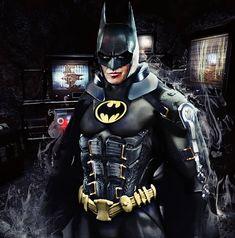 Michael Keaton Batman, The Flashpoint, Batman Cosplay, Batman Artwork, Im Batman, Classic Comics, Comics Universe, Dc Comics, Superhero