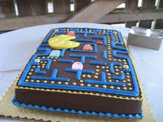 ahh i need to make this for my mom's birthday; accordin to my dad, she was pretty awesome at arcade pacman back when they were dating :)