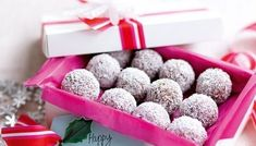 Choc-coconut Christmas balls - These small truffle-like treats are made from only 5 ingredients and make a great edible gift. Christmas Truffles, Christmas Food Gifts, Christmas Cooking, Christmas Balls, Christmas Recipes, Xmas Food, Coconut Truffles, Coconut Balls, Homemade Chocolate