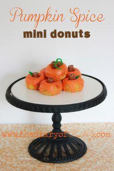 Pumpkin Spice mini donuts, nom nom! #pumpkinspice #falldessert