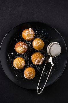 These honey fritters ( Beltane Honey Cakes ) are similar to Greek Honey Fritters but made without yeast and covered with delicious spiced honey! Easy Summer Desserts, Fun Desserts, Dessert Recipes, Summer Recipes, Appetizer Recipes, Best Nutrition Food, Nutrition Chart, Proper Nutrition, Beignets