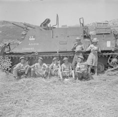 1 June Anzio battlefield after the breakout. The crew of a Priest self-propelled gun of Field Regiment eat a meal beside their vehicle, christened 'Anzio', 28 May Ww2 Pictures, Military Pictures, Army Vehicles, Armored Vehicles, Italian Campaign, Armoured Personnel Carrier, Tank Destroyer, Ww2 Tanks, Us Army