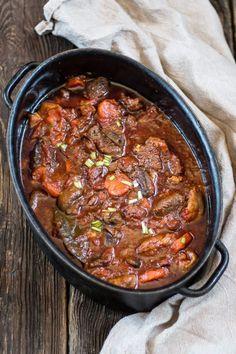 Kielbasa, Chili, Kitchen Design, Curry, Food And Drink, Beef, Baking, Ethnic Recipes, Impreza