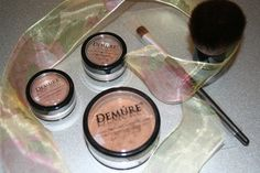 '5 pc. Demure Mineral Make-up includes Brushes' is going up for auction at  9am Sat, Aug 17 with a starting bid of $4.