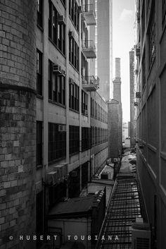 "Dark side of the Big Apple - Le côté sombre de New-York  © Hubert Toubiana <a href=""https://www.hubert-toubiana-photo.com/"">hubert-toubiana-photo.com</a>  <a href=""https://www.facebook.com/hubert.toubiana.photography/"">Facebook</a> <a href=""https://www.flickr.com/photos/144767232@N05/"">Flickr</a> <a href=""https://fr.pinterest.com/htoubianaphoto/"">Pinterest</a>  <a href=""https://twitter.com/htoubiana_photo/"">Twitter</a>"