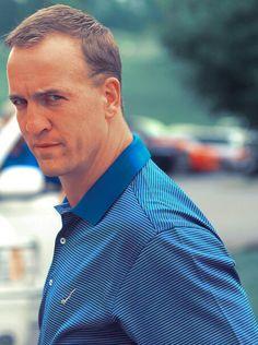Peyton Manning golfing